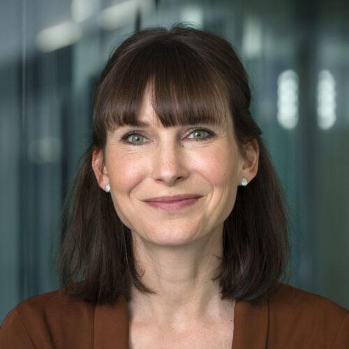 Dr.<br>Sarah Geber