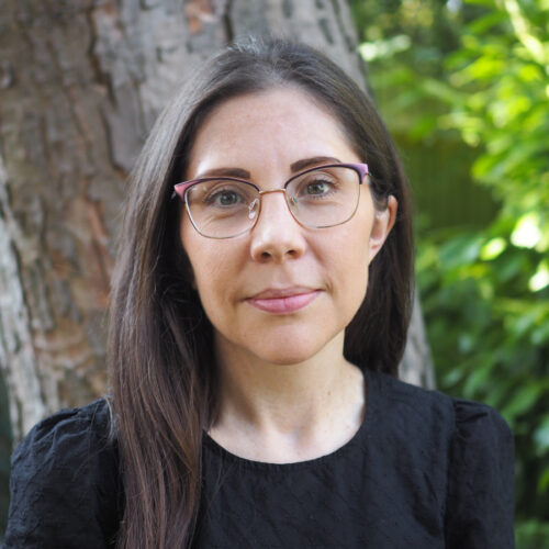 Dr.<br>Sara Hitchman